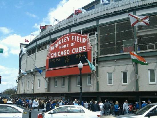 Wrigley Field: Go cubs!