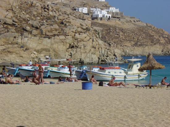 Mykonos by, Hellas: Beach on the island