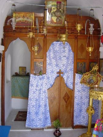 Mykonos by, Hellas: Inside of tiny church