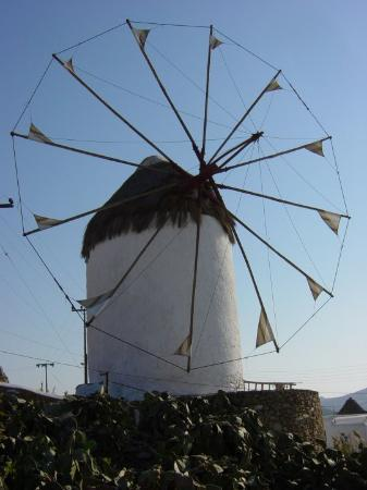 Mykonos by, Hellas: Windmill on the quayside