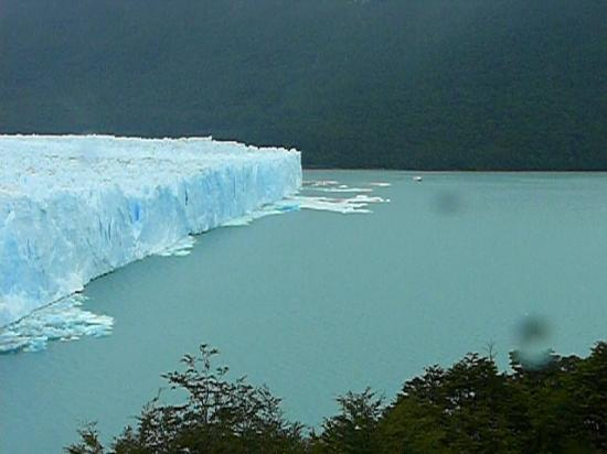 Perito Moreno Glacier: 3 km wide 50 to 60 m. high and about 30 km long !