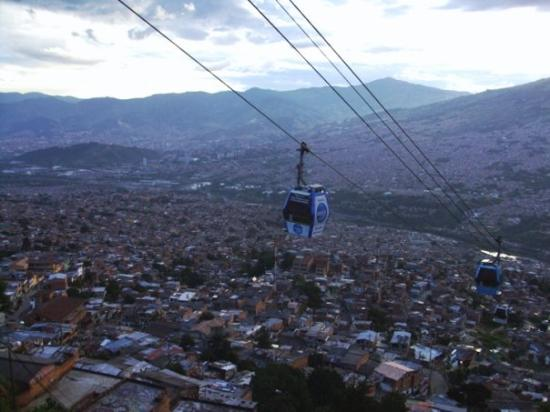 Medellín, Colombia: Metrocable...makes the city easily accessible for the people in poorer neighborhoods