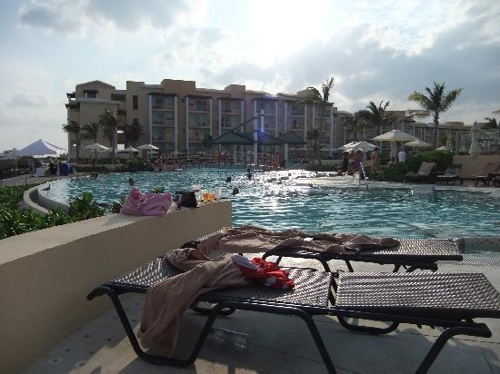 Now Jade Riviera Cancun: At Resort