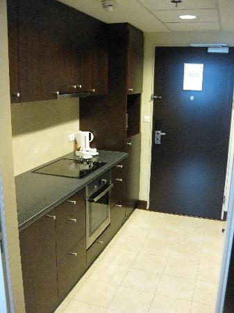 InterContinental Hotel Warsaw : 4001 kitchen