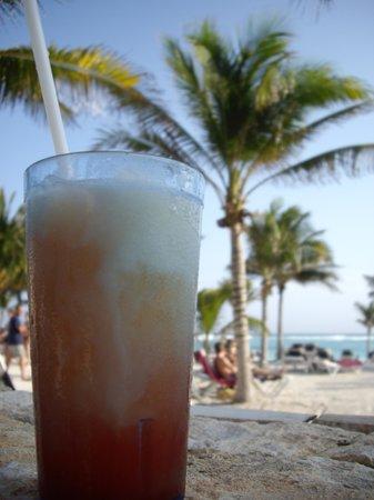 Barcelo Maya Beach: drink