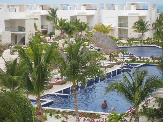 Beloved Playa Mujeres: hotel and pool