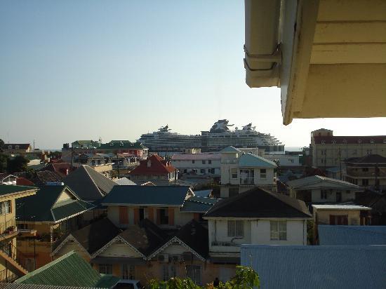 Ma Bass Guest House: uitzicht vanaf het balkon