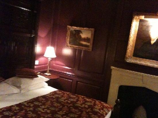 Hazlitt's: Sir James Bateman room, 1st floor