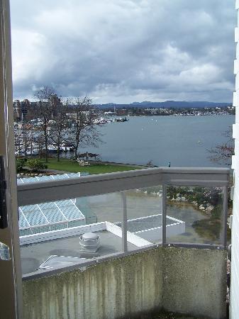 Inn at Laurel Point: View - Laurel wing room