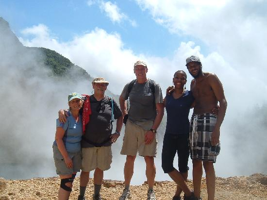 Suite Pepper: hiking group at 'Boiling Lake'