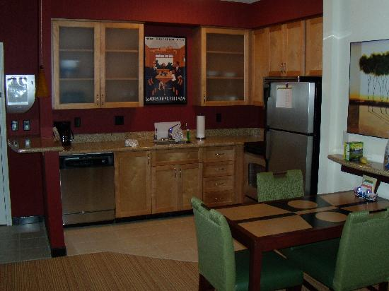 Residence Inn Phoenix NW/Surprise: Kitchen