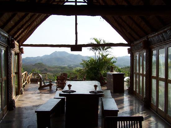 El Sabanero Eco Lodge: outdoor dining