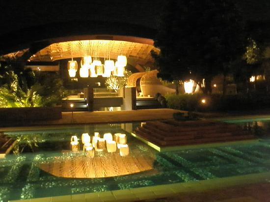 Veranda High Resort Chiang Mai - MGallery By Sofitel: Night Time at Lobby