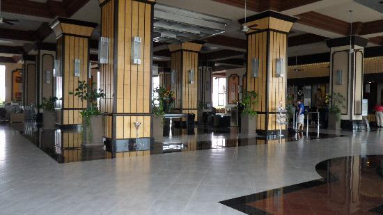 Hotel Riu Emerald Bay: Lobby