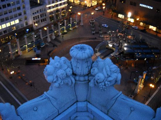 The Nines, a Luxury Collection Hotel, Portland: View of Pioneer Square from Departure Terrace