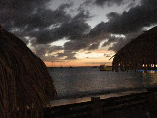 Sandals Grande St. Lucian Spa & Beach Resort: Twilight on the beach