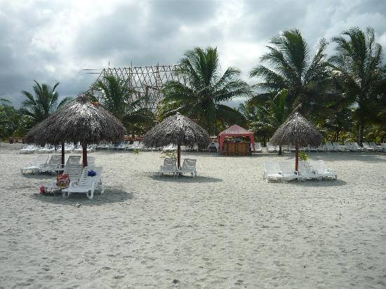 Royal Decameron Mompiche: La playa