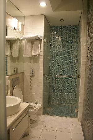 Canyon Boutique Hotel: the bathroom