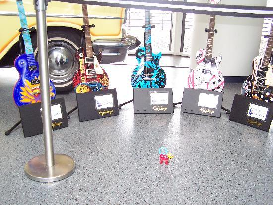 Rock & Roll Hall of Fame: More guitars