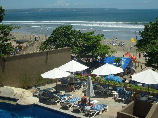Pelangi Bali Hotel: From the upstairs restaurant 180 views.