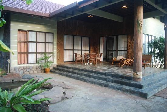 Felda Residence Hot Springs: Patio of villa