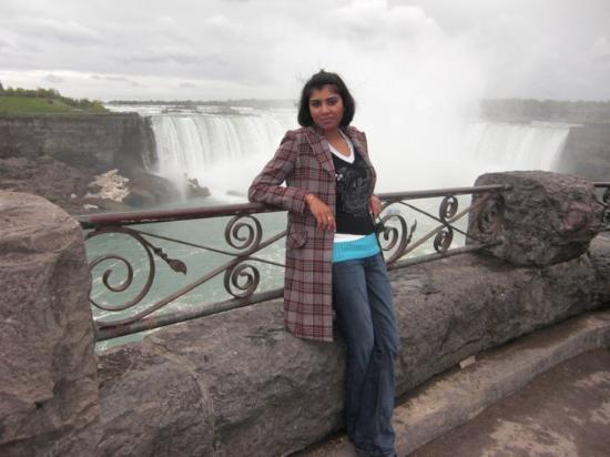 Niagara Falls: Niagra Falls, canada