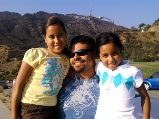 Vest-Hollywood, CA: with nieces...