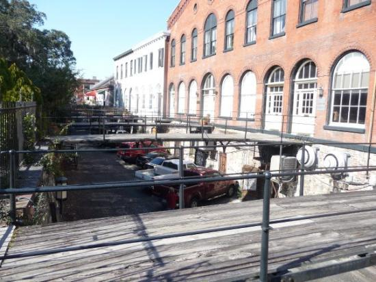 Savannah, GA: Up a couple of levels from River St. these old cotton warehouses are now shops and businesses.