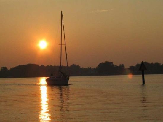 Colonial Beach, VA: Sunset