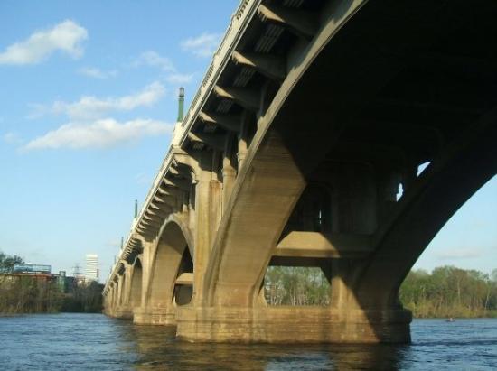 Columbia, SC: Gervais Street bridge
