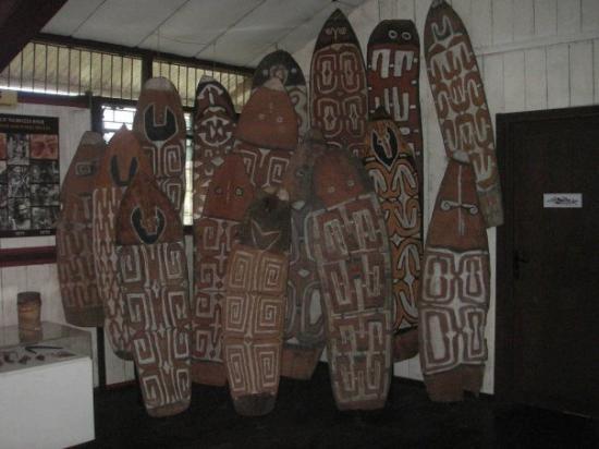 Tembagapura, Indonesia: Agatz shields