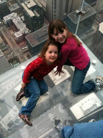 Skydeck Chicago - Willis Tower: Sears Tower - Dare to stand out - floor 103