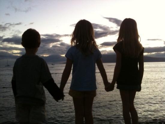 Lahaina, HI: the kiddos