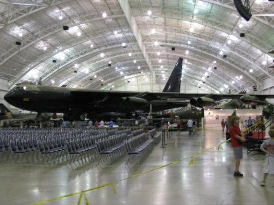 Nasjonalmuseet for amerikanske luftstyrker: Now this is one big a-- bomber