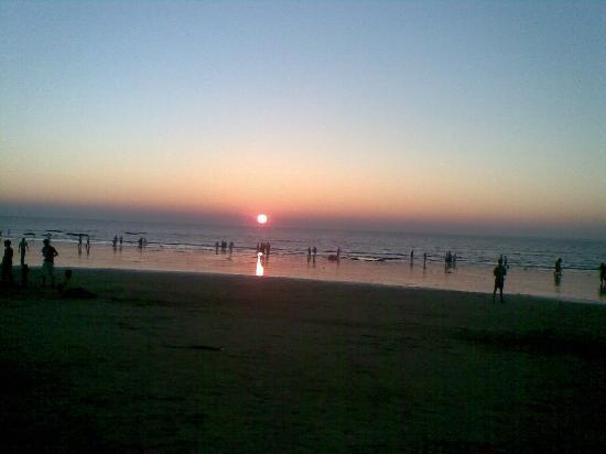 مومباي (بومباي), الهند: Juhu Beach