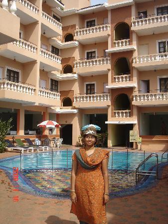 Ticlo Resorts: Near the pool