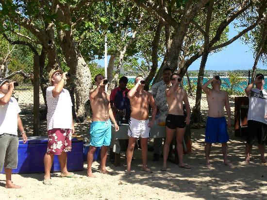 Shangri-La's Fijian Resort & Spa: Beer drinking competition.