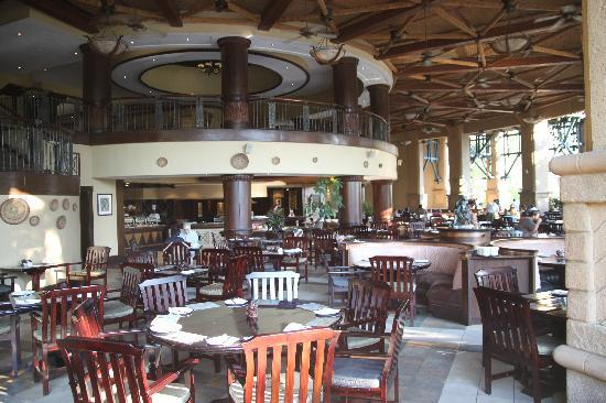 The Kingdom at Victoria Falls: Main Restaurant