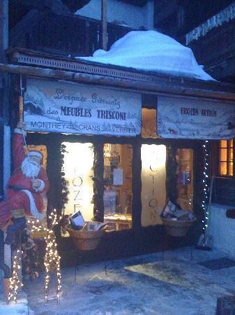 Hotel Cristal: Grimentz Village Shops