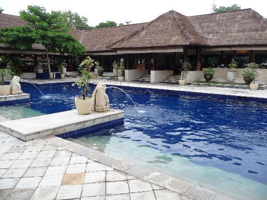 Mercure Resort Sanur: une des deux piscines