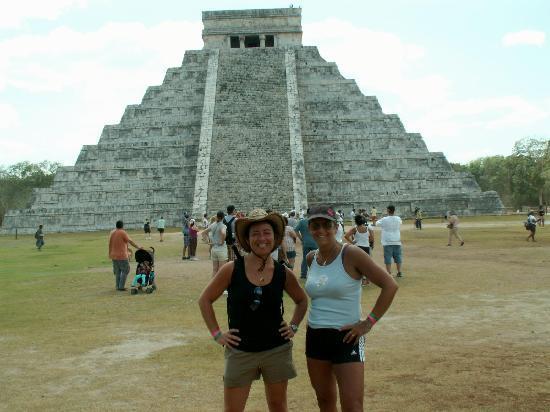 Luxury Bahia Principe Akumal: Devant la pyramide de Kukulcan sur le site de chichen Itza.