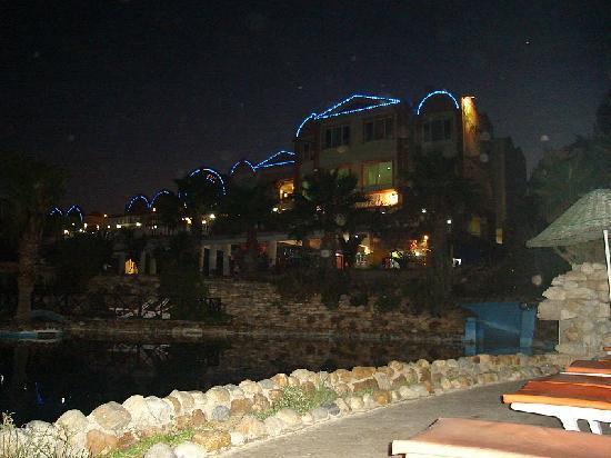Palm Garden Hotel: Hotel