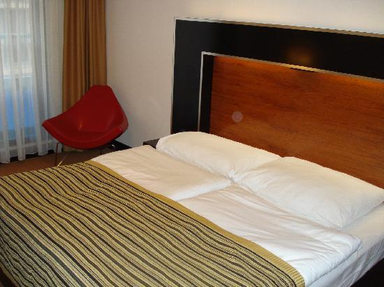 Hotel Grand Majestic Plaza Prague: The bed