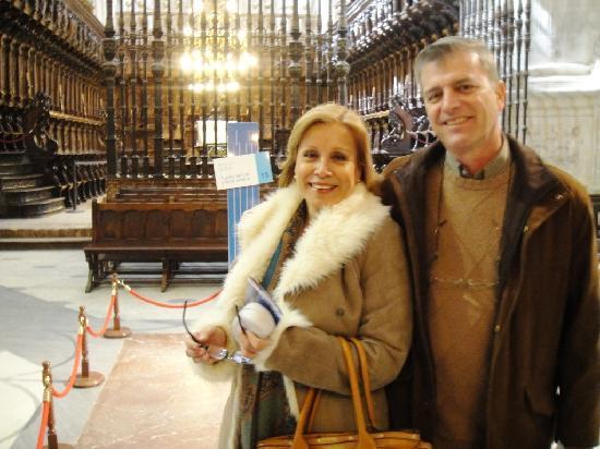 Catedral de Burgos: Ante la tumba del Cid y Doña Jimena.