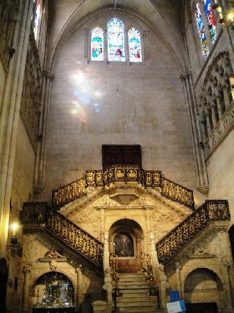 Catedral de Burgos: La Escalera Dorada.