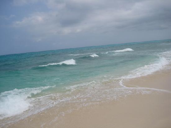 Melia Cayo Santa Maria: Enjoy the waves west of the Sol  ;o)