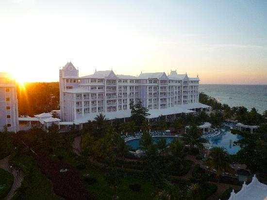 ClubHotel Riu Ocho Rios: The view of the hotel!