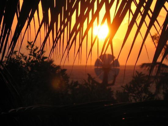 Ocean Coral & Turquesa: lever du soleil droit devant la mer vue de ma chambre et c'est une vue partielle