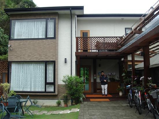 Crossing the Rainbow Bridge Bed and Breakfast: Exterior view of the lovely min-su