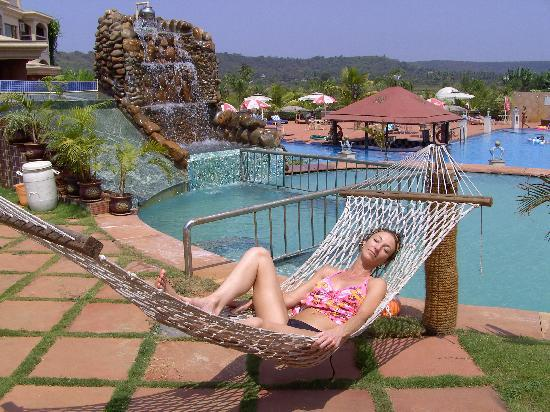 Sun City Resort: chillin by the top pool